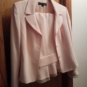 Skirt suit set